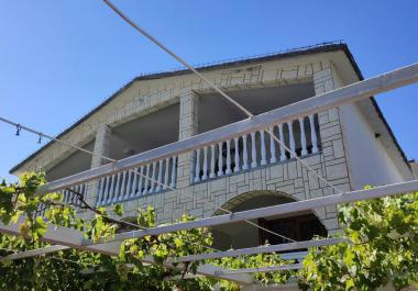 Hotel-house in Sutomore for 50+ guests next to sea and beaches