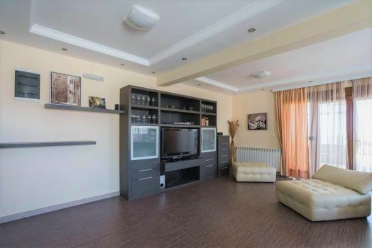 Apartment in Dobra voda with three bedrooms in complex with pool