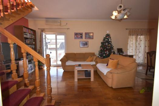 Apartment in Tivat, Mazina with 4 bedrooms